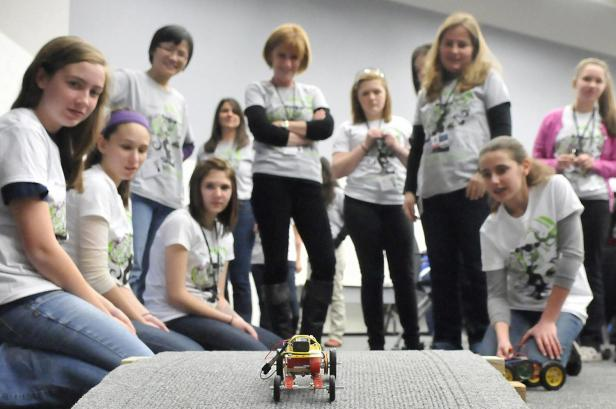 Women_in_STEM_Introducing_Girls_to_Engineering