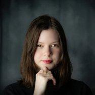 Meredith Shubel headshot